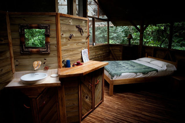 experience_treehouse_living_in_forested_costa_rica_resort_640_11