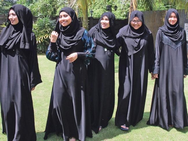 jubah-hitam