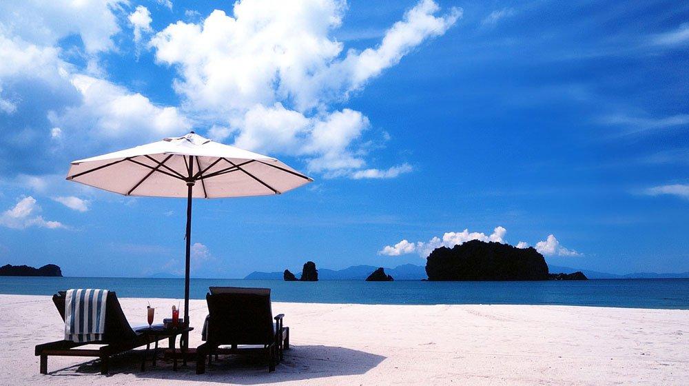 10 Lokasi Percutian Pantai Tercantik Di Malaysia Bersih Dan Jernih Dari Yang Lain