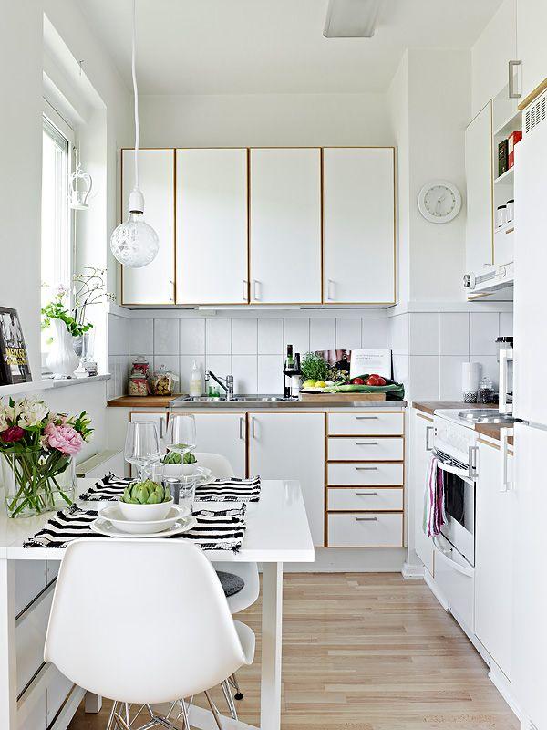 Idea Dekorasi Dapur Kecil 30