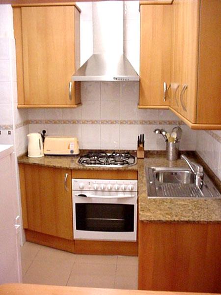 idea-dekorasi-dapur-kecil-32