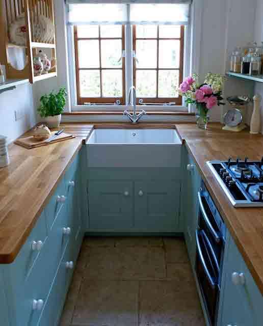 Idea Dekorasi Dapur Kecil 36