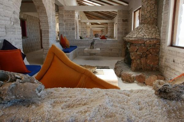 137743-Salt-Hotel-El-Salar-de-Uyuni-0