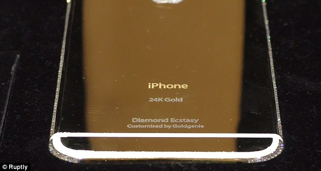 25AAB4D100000578-2952720-The_world_s_most_expensive_iPhone_6_has_been_unveiled_and_is_mad-a-5_1423909295382