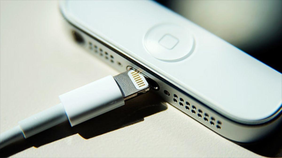 Adakah Mengecas iPhone Terlalu Lama Boleh Merosakkan Bateri?