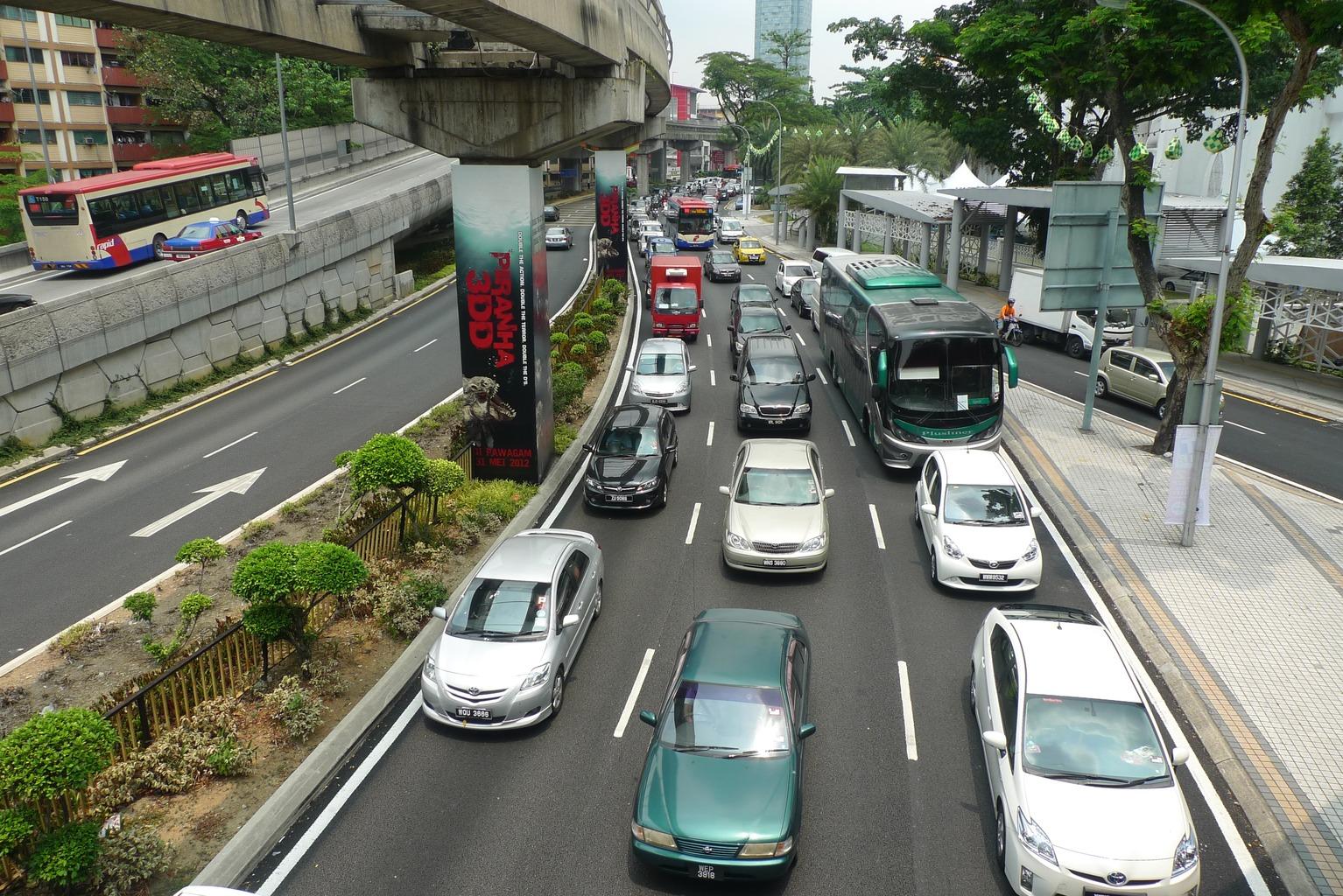 6337535-Traffic_Jam_in_KL_Kuala_Lumpur