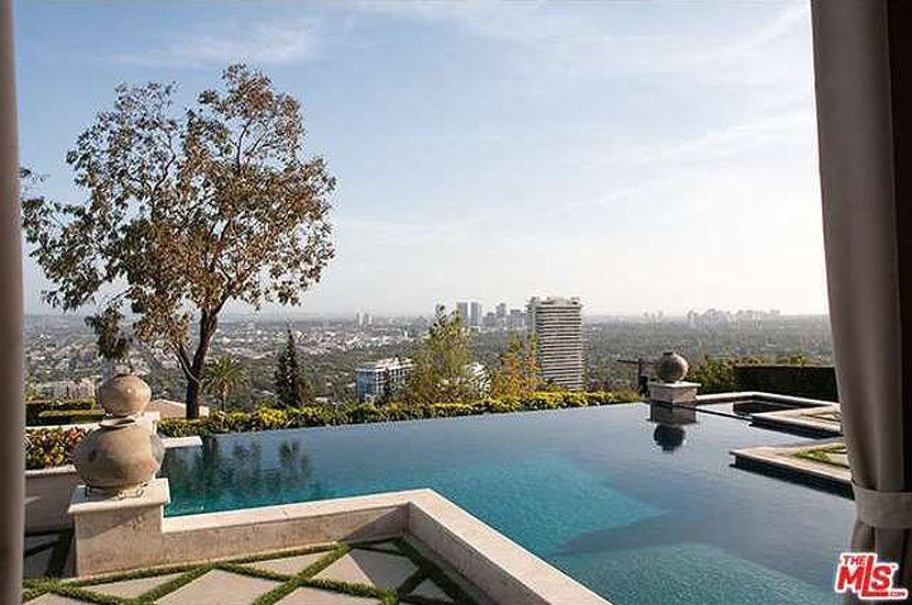 as-well-as-a-gorgeous-infinity-pool