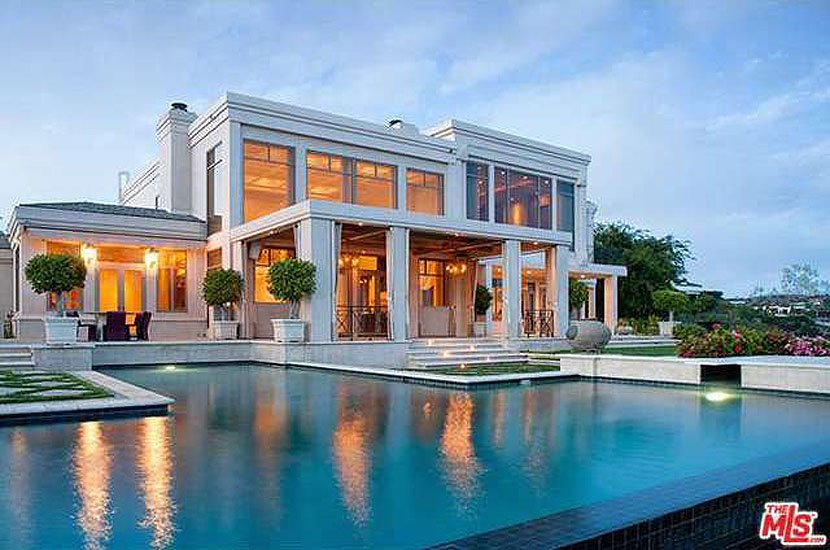 dr-dre-has-now-sold-this-six-bedroom-mansion-for-325-million