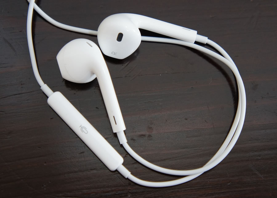 iphone-5-earpods