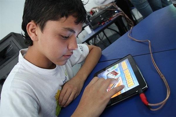 kanak-kanak-dan-tablet