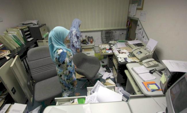kerja-di-pejabat