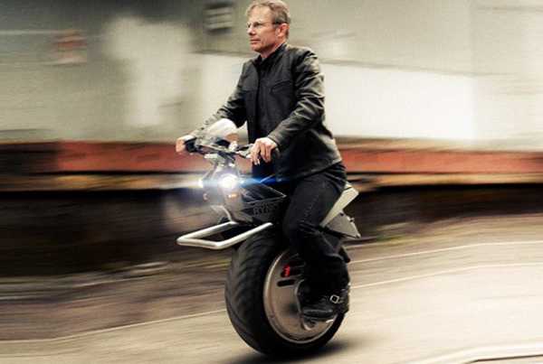 Ryno-single-wheeled-motorcycle-scooter