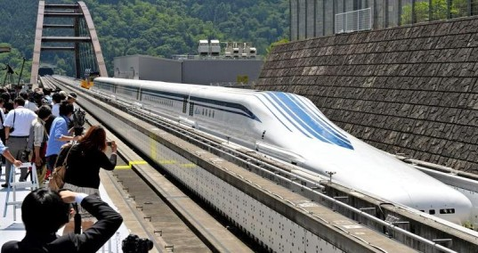 japan-maglev-bullet-train-1