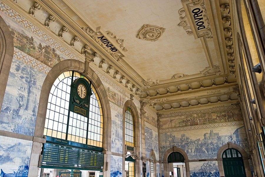 sao-bento-railway-station-portugal-2