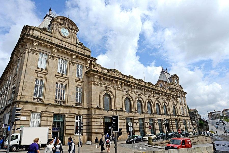 sao-bento-railway-station-portugal