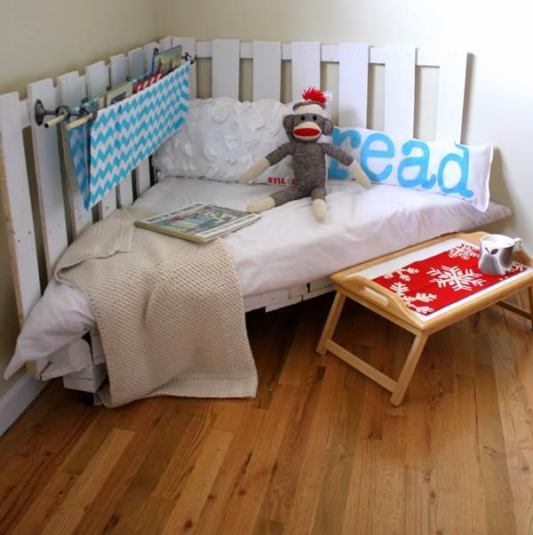 Katil Tidur Buat Anak Ia Beroda Dan Boleh Juga Dibuatkan Penghadang Bagi Yang Masih Kecil Semuanya Daripada Kayu Pallet