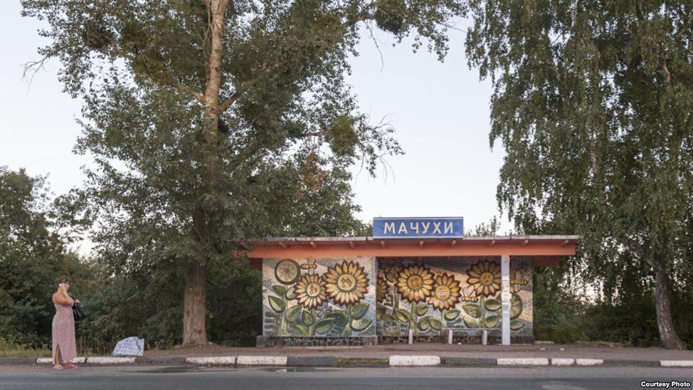 bus-stop-bekas-jajahan-soviet-14