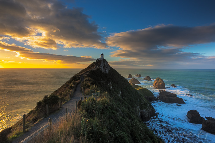 Day begins at Nugget Point Lighthouse