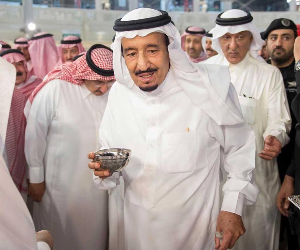 king-salman-cuci-kaabah-7