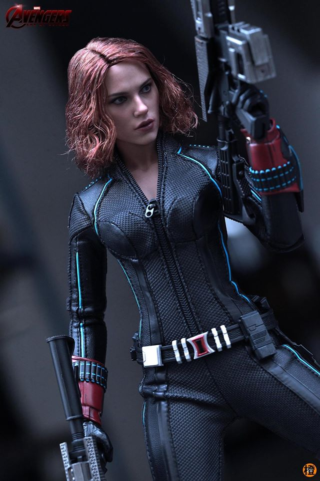 black-widow-hot-toys-14