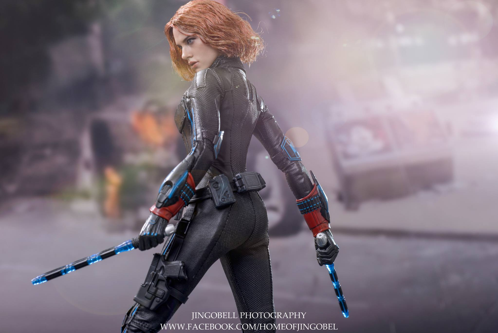 black-widow-hot-toys-15
