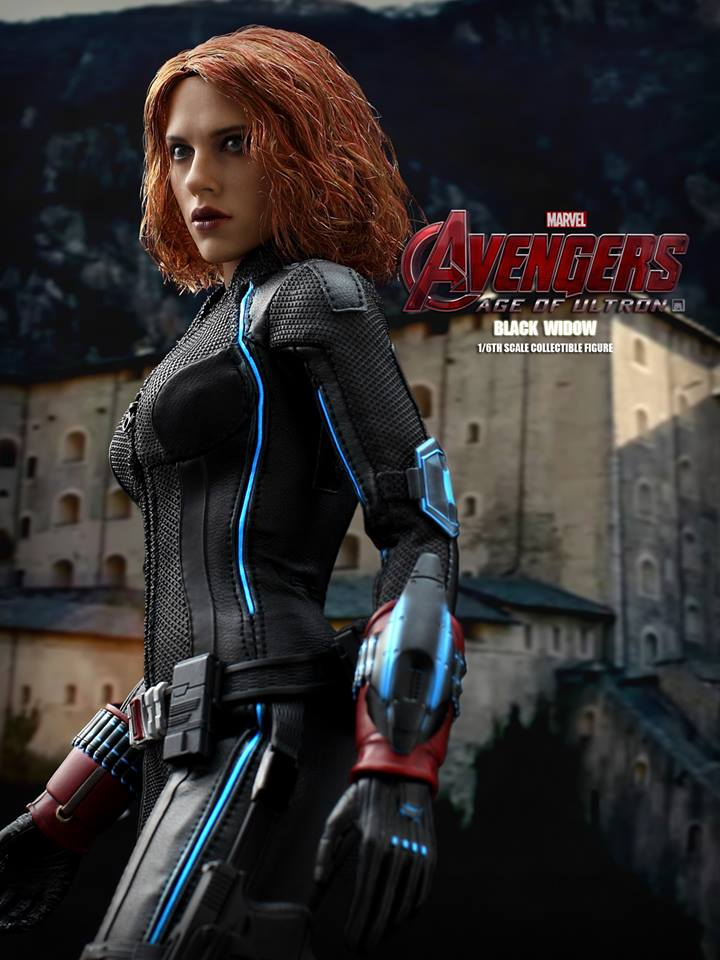 black-widow-hot-toys-9