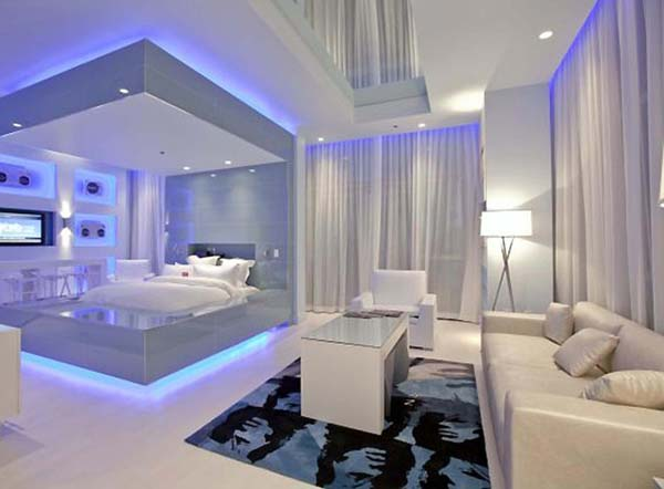 Deco Berwarna Putih Dengan Lampu Biru Yang Tersembunyi Di Atas Dan Bawah Katil Serta Downlight Mencukupi Menimbulkan Rasa Moden Chic