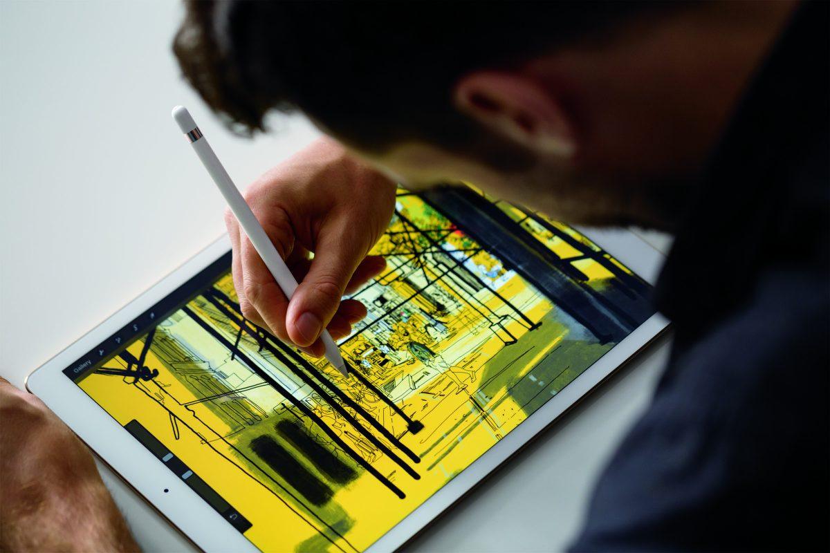 iPadPro_Pencil_Lifestyle1-PRINT