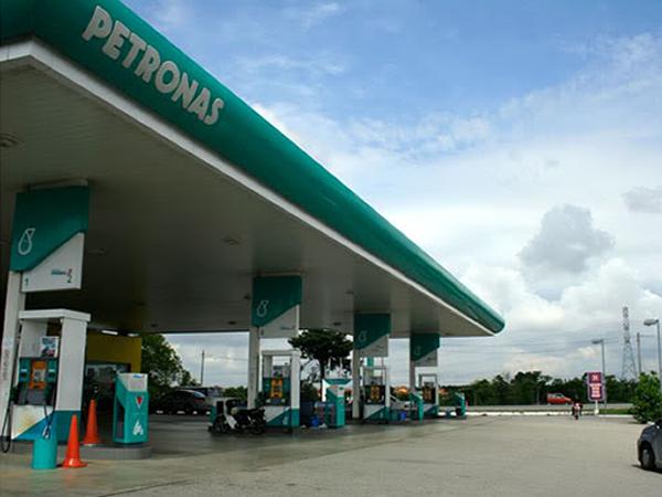 stesen-minyak-petronas