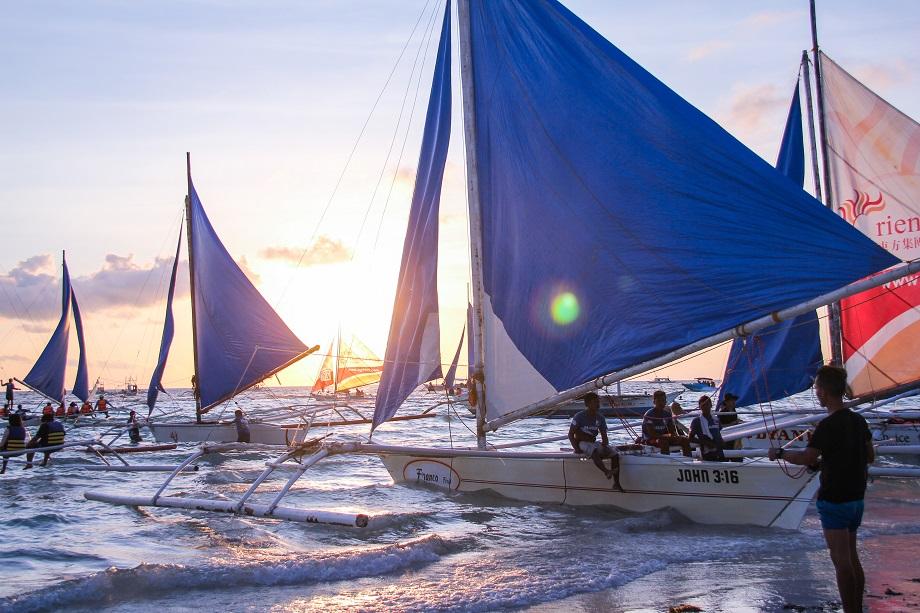 parau-sunset-sailing-boracay-island