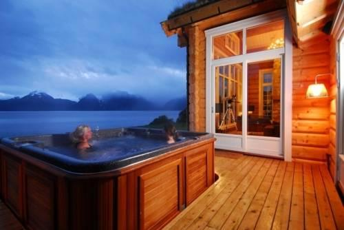 Lyngen Lodge, Norway-3