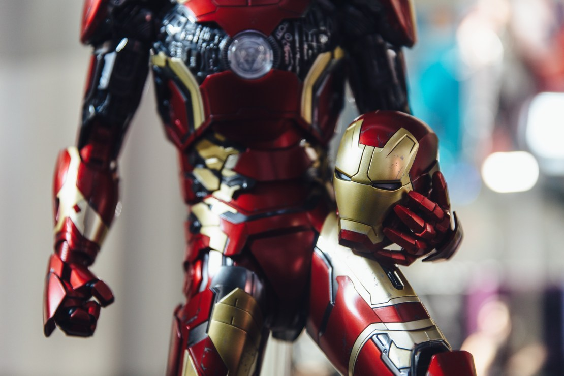 hot-toys-iron-man-mark-xliii-1-4th-4