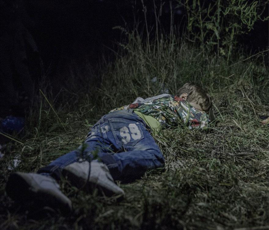 where-children-sleep-syrian-refugee-crisis-photography-magnus-wennman-2
