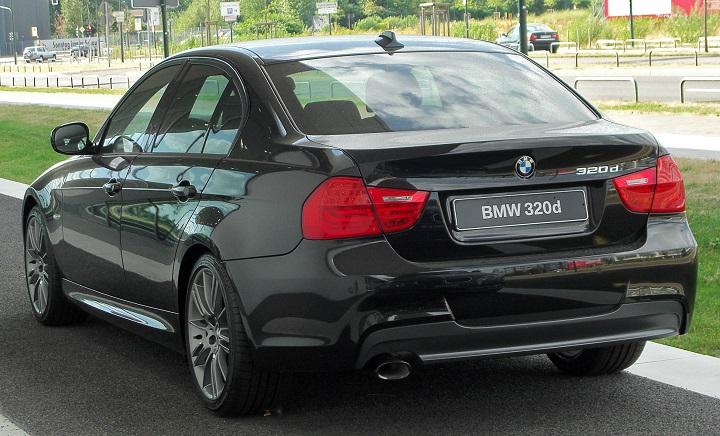 BMW_320d_Edition_Sport_(E90)