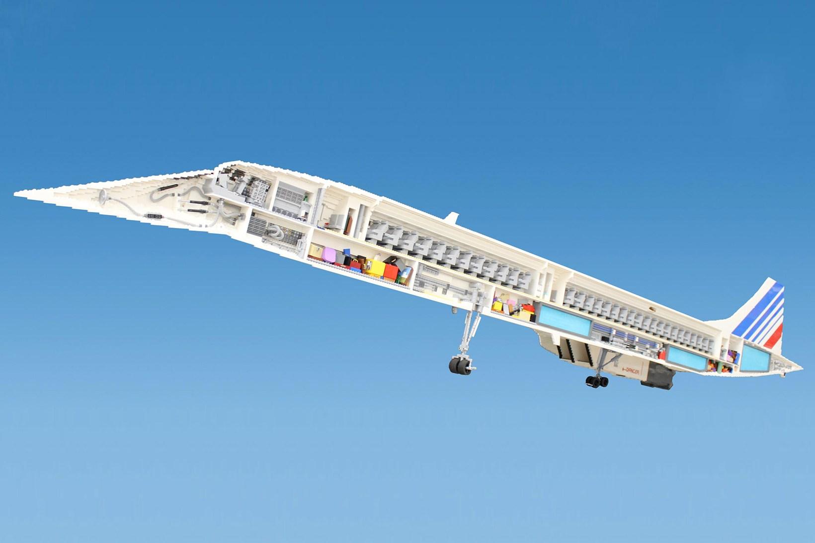 LEGO-concorde-plane-2