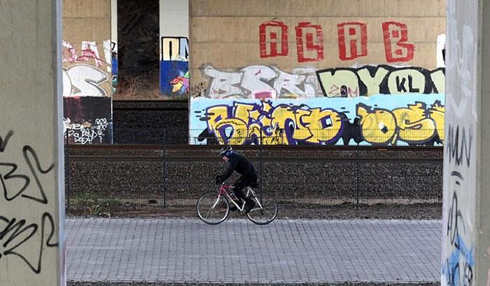 bicycle-highway-autobahn-germany-11