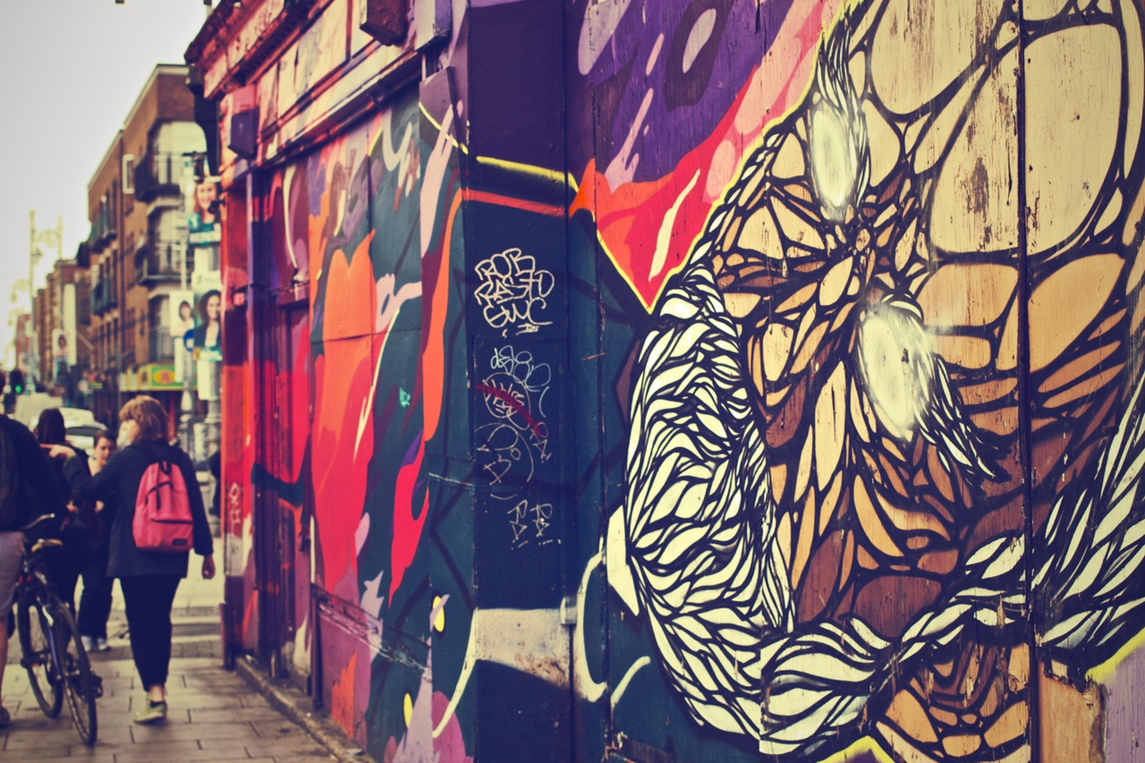 city-art-graffiti-wall