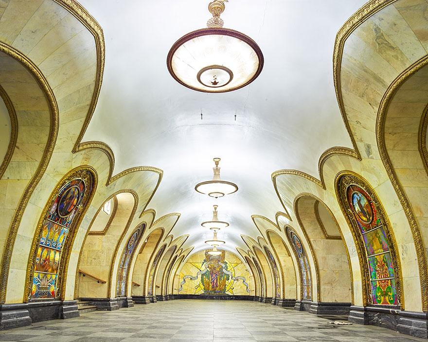 moscow-metro-station-architecture-russia-bright-future-david-burdeny-5