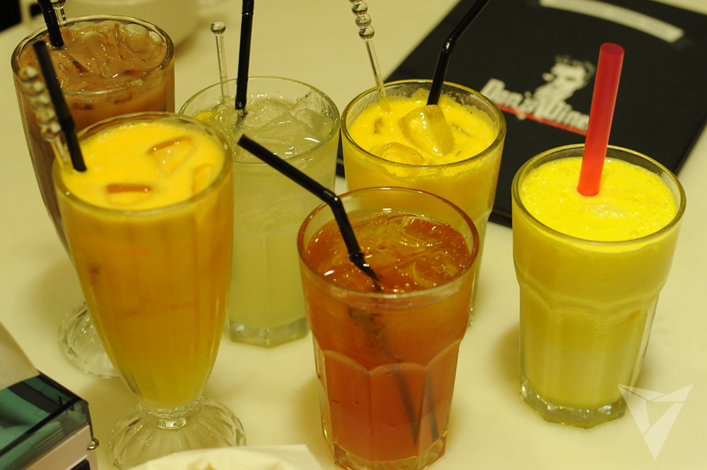 Assorted drinks yang menyegarkan