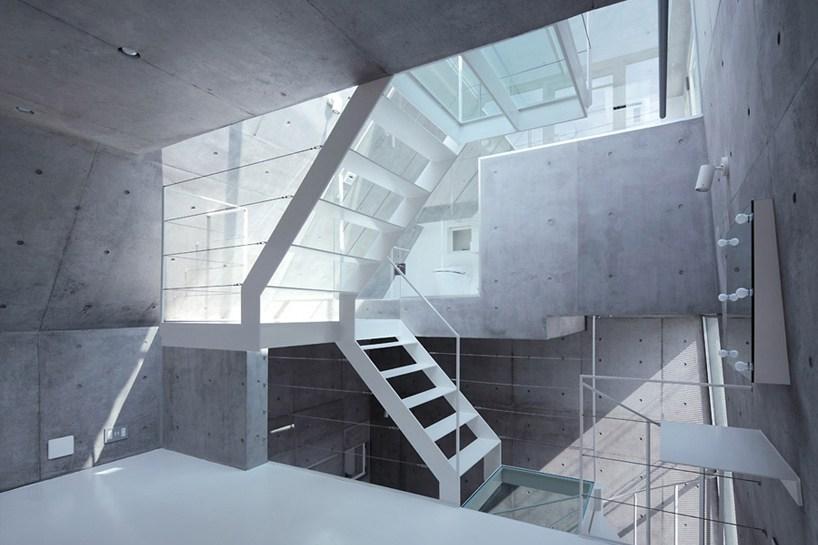 angular-home-tokyo-corner-space-5