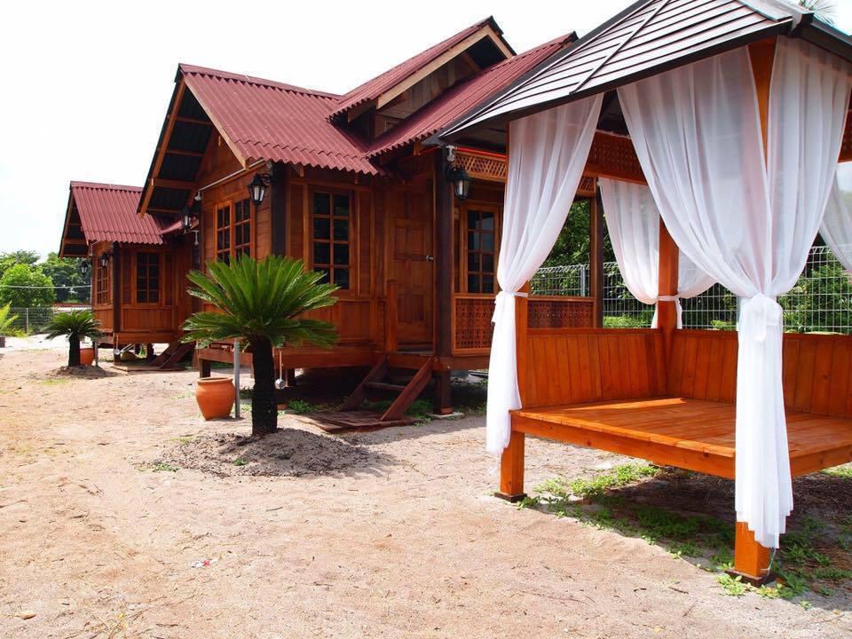 Desa Damai Chalet Pengkalan Balak