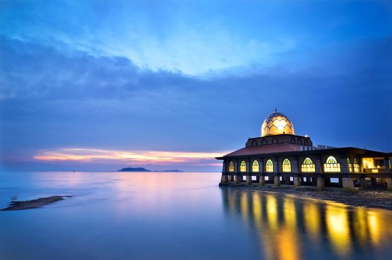 masjid-terapung-kuala-perlis