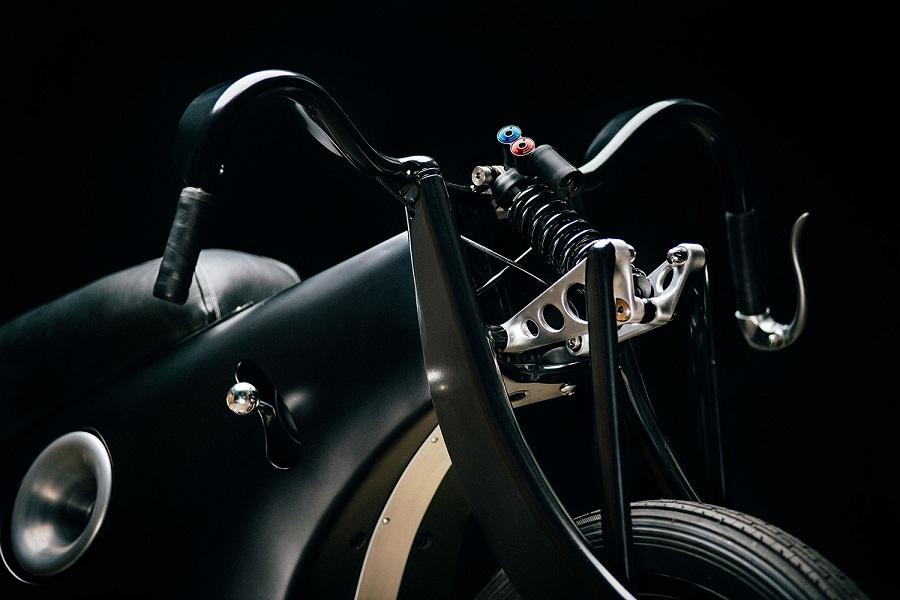 revival-cycles-bmw-landspeeder-03