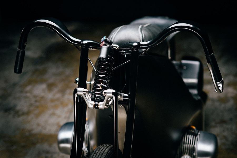 revival-cycles-bmw-landspeeder-04