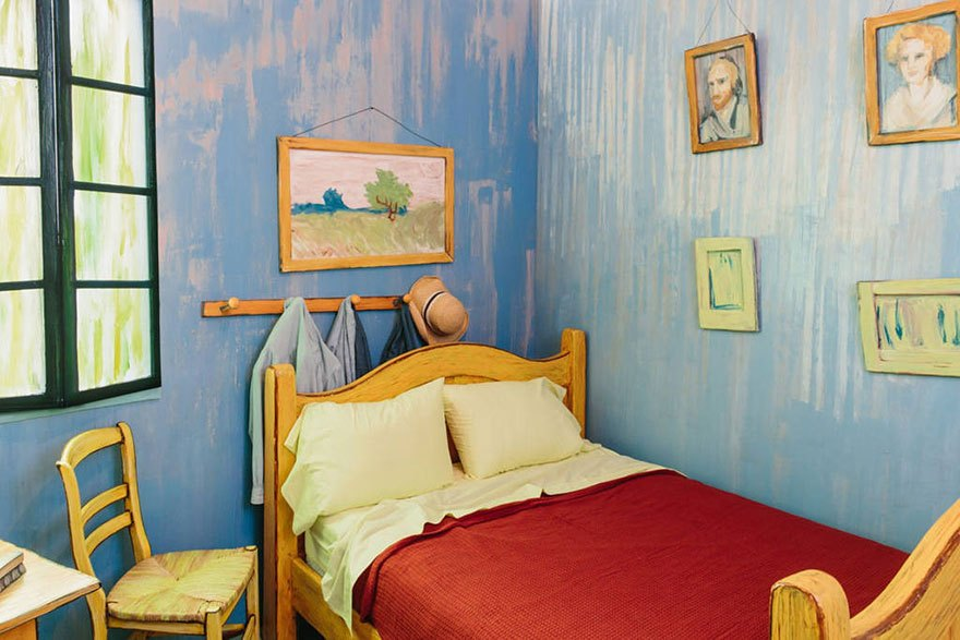 van-gogh-airbnb-5