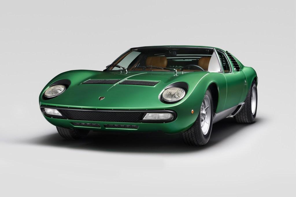 1971-lamborghini-miura-sv-restored-2