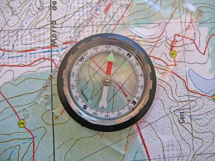 9. kompas