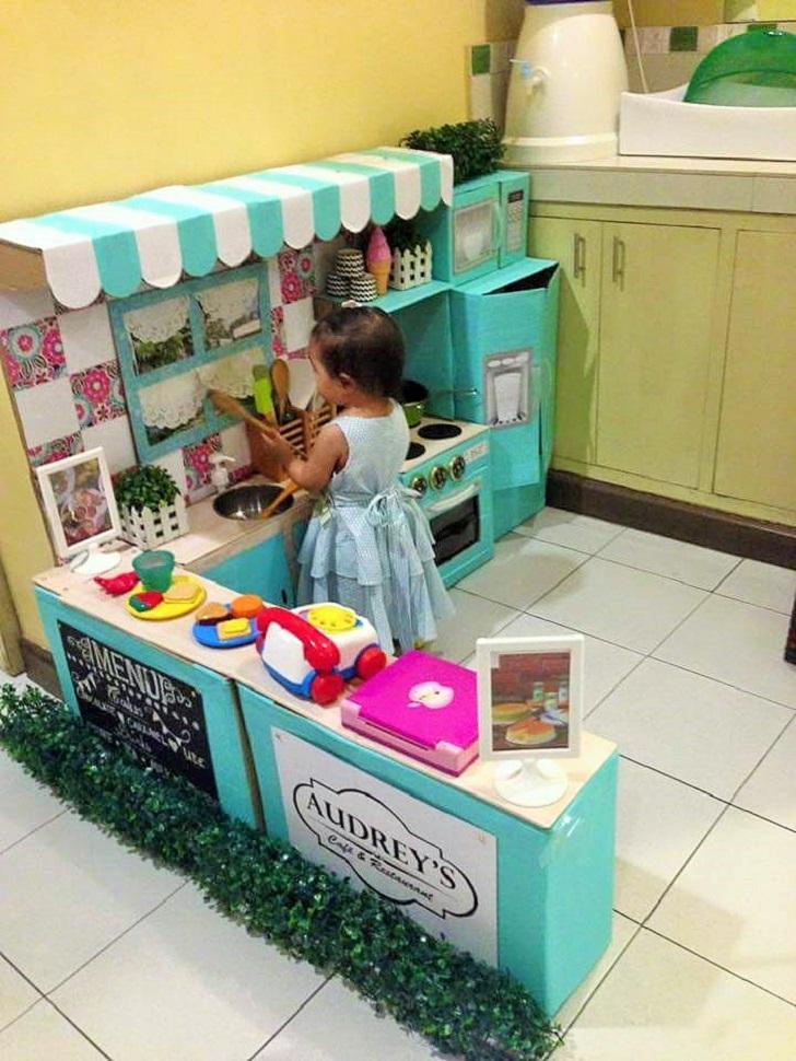 Cara Cara Ibu Ini Buat Sendiri Dapur Permainan Anaknya Guna Kotak Kadbod Terpakai