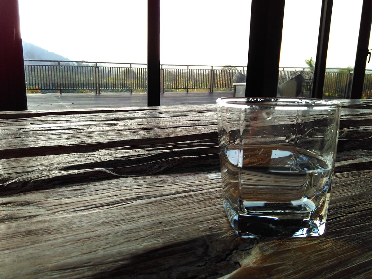 Pemandangan Adelia Hill dari meja makan.