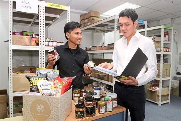 Amal Azman, pengurus Husam Waksa Sdn Bhd. Via Foodmarket's Blog